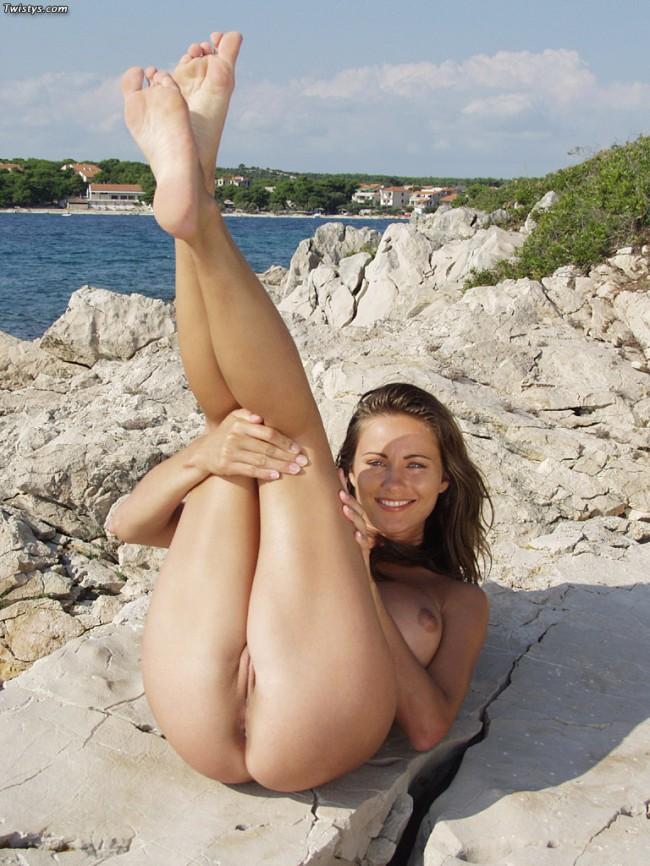 chica follando en la playa